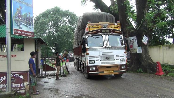 হিলি স্থলবন্দর।